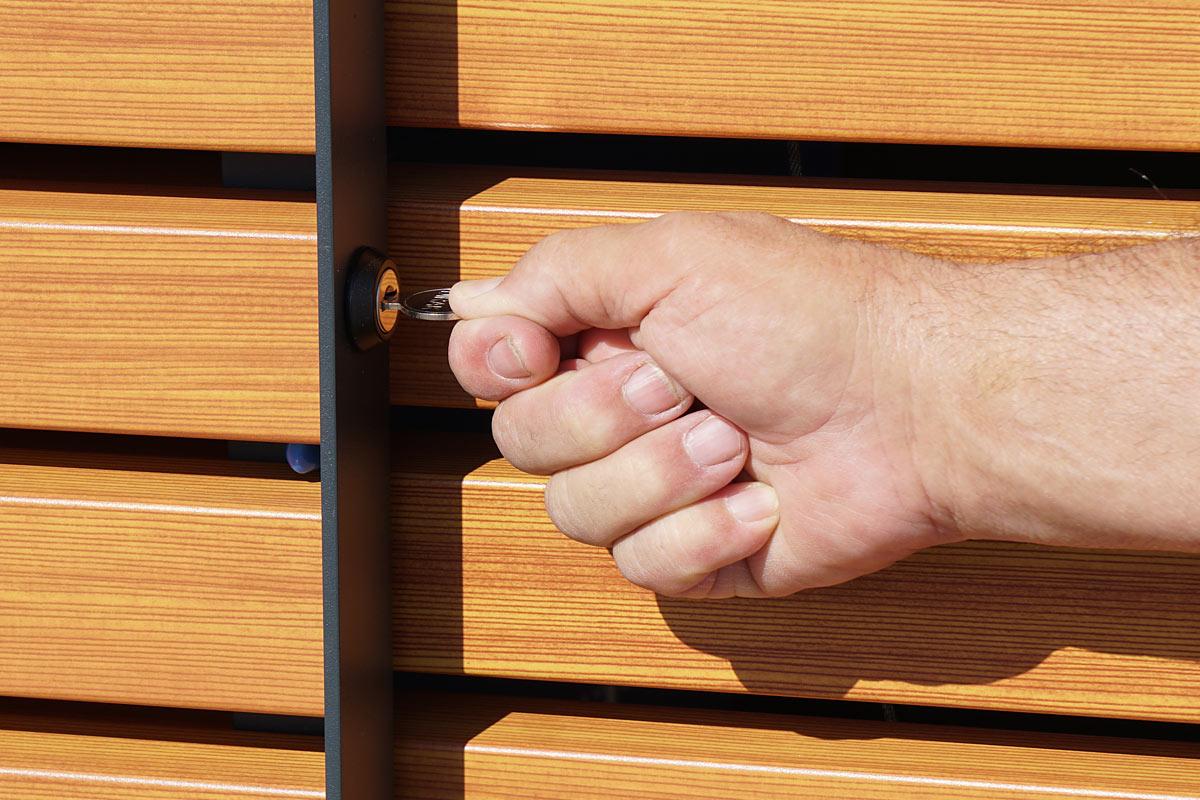 lockable commercial waste bin, lockable garbage bin, prevent garbage container misuse