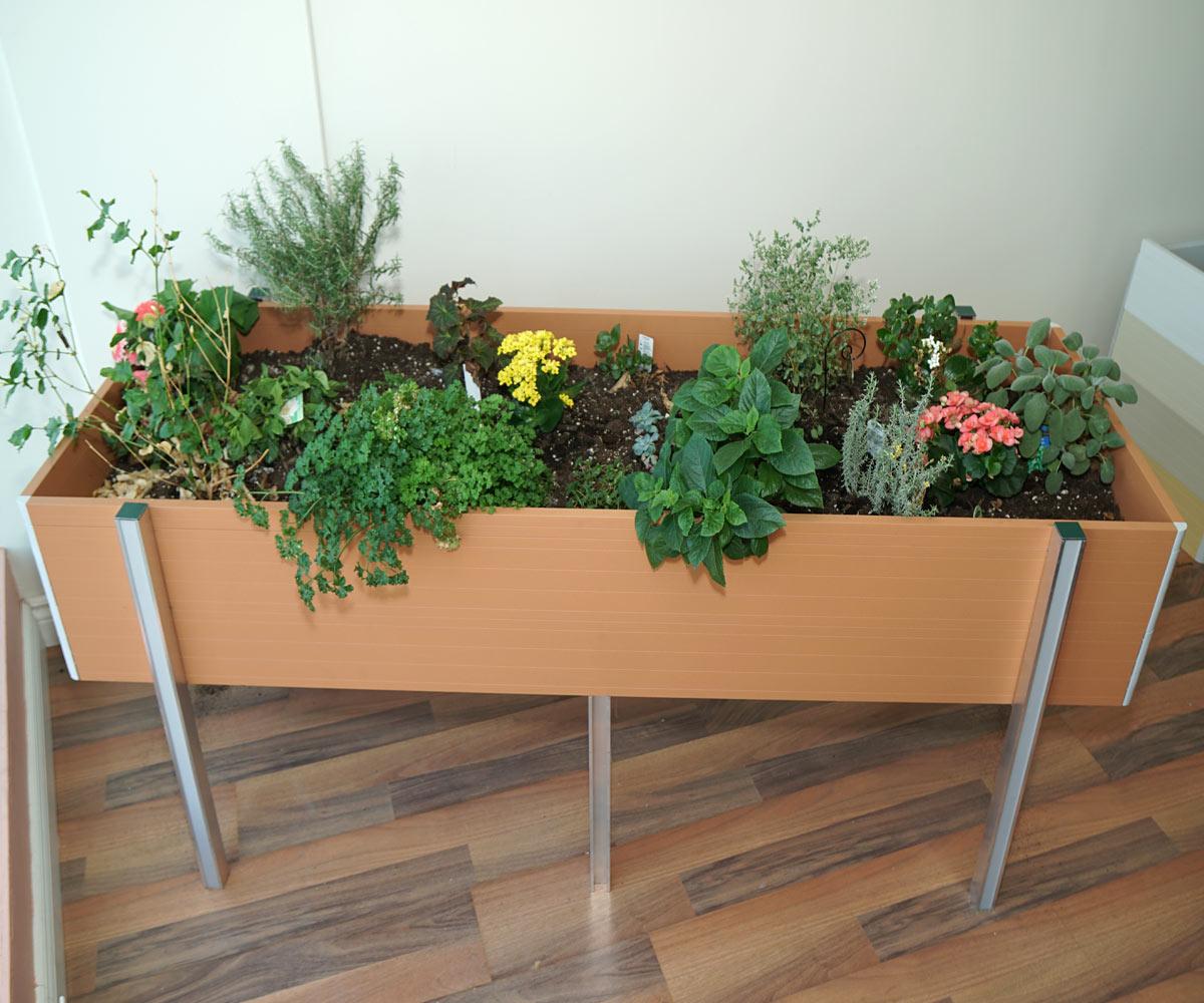 raised planters, raised vegatable planters, garden planters